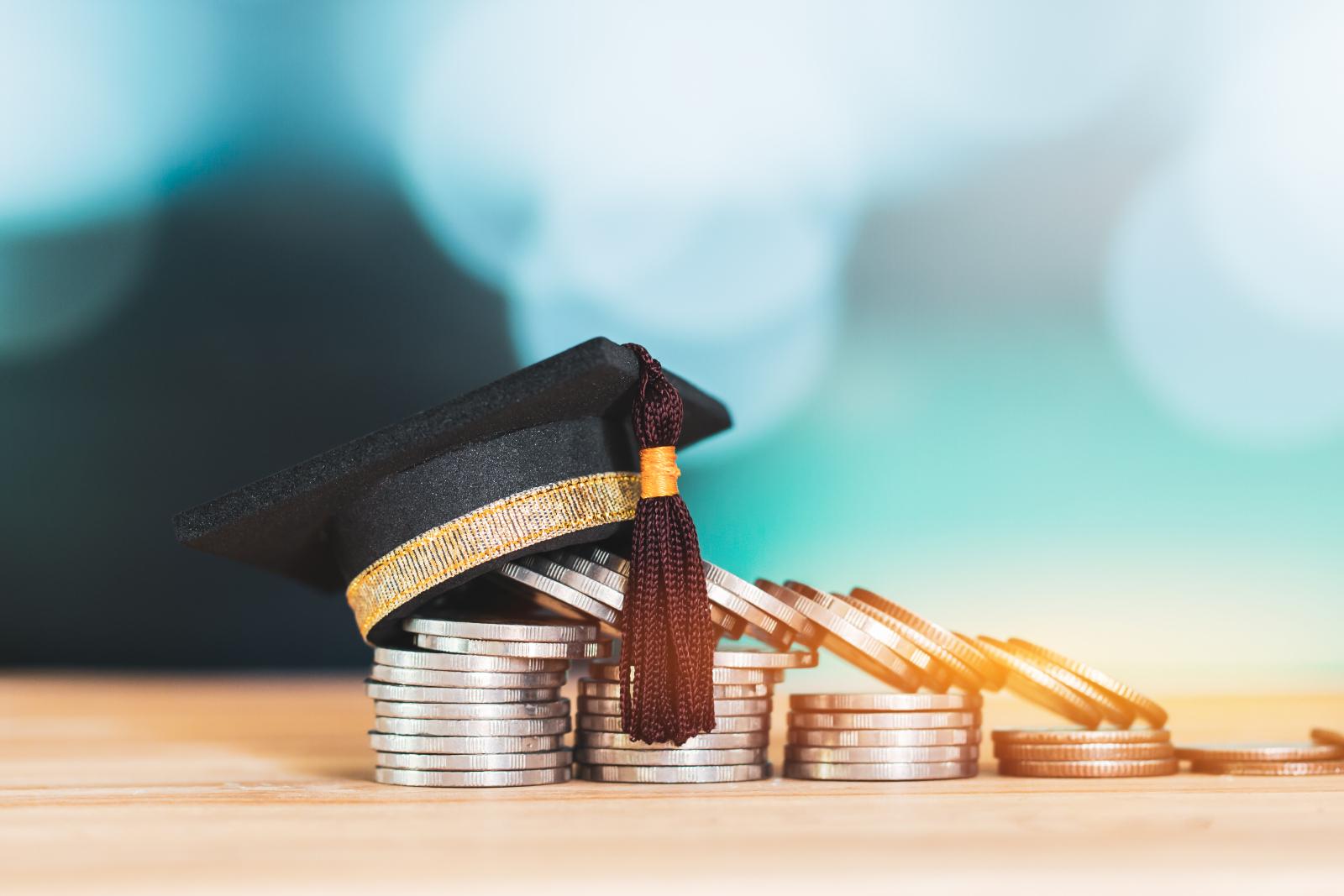 12 студентов ВШТМ получили повышенные стипендии